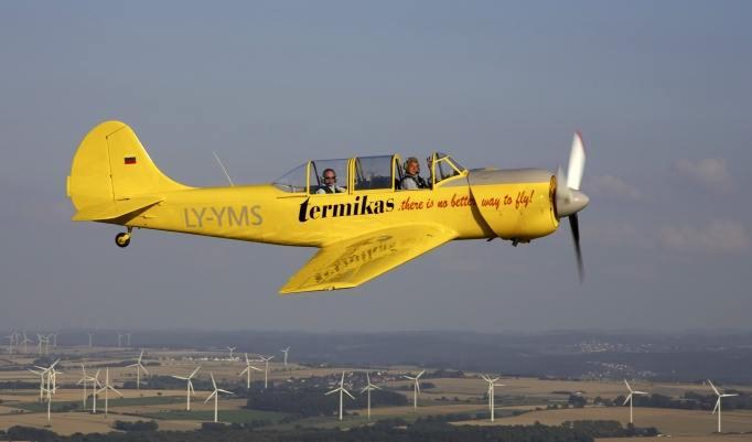 Kunstflug YAK 52 in Bielefeld