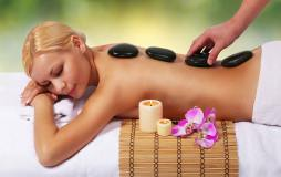 Hot-Stone Massage für Frauen