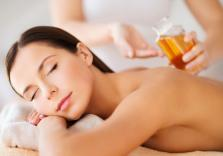 erholsame Aromaölmassage für Frauen
