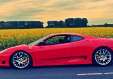 Einmal mitfahren im Ferrari