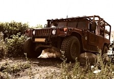 Hummer im Gelände