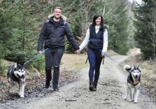 Husky-Wanderung mit Baumhausübernachtung