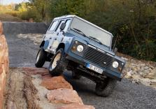 Land Rover Defender Offroad fahren